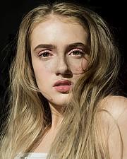 Sandra Asgeirsdottir makeup artist (sminka). Work by makeup artist Sandra Asgeirsdottir demonstrating Beauty Makeup in a photoshoot by Mihn Ly with the model Hlökk Halldorsdóttir.Model: Hlökk HalldorsdóttirPhotographer: Mihn LyBeauty Makeup Photo #