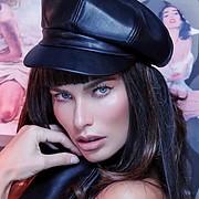 Sara Cardillo model & influencer. Photoshoot of model Sara Cardillo demonstrating Face Modeling.Face Modeling Photo #232084