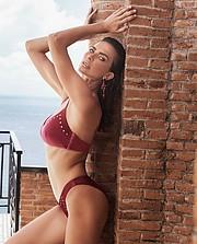 Sara Cardillo model & influencer. Sara Cardillo demonstrating Body Modeling, in a photoshoot by Karel Losenicky.photographer: Karel LosenickyBody Modeling Photo #232085