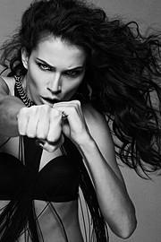 Sara Cardillo model & influencer. Photoshoot of model Sara Cardillo demonstrating Face Modeling.Face Modeling Photo #95747
