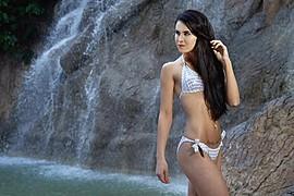 Sara Jauhiainen model. Photoshoot of model Sara Jauhiainen demonstrating Body Modeling.Body Modeling Photo #98291