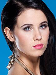 Sara Jauhiainen model. Photoshoot of model Sara Jauhiainen demonstrating Face Modeling.Face Modeling Photo #98302