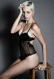 Sarah Degraeve model. Photoshoot of model Sarah Degraeve demonstrating Body Modeling.Body Modeling Photo #70223