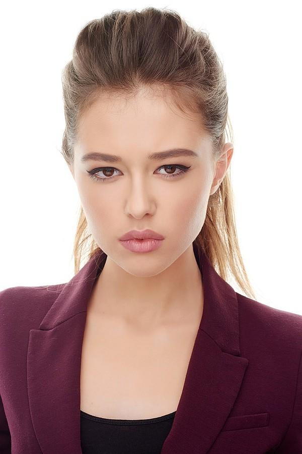 Select Deluxe Saint Petersburg modeling agency (модельное агентство). Women Casting by Select Deluxe Saint Petersburg.model : Arina HardinaWomen Casting Photo #111165