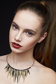 Международное модельное агентство. Select Deluxe Model Management основано в 2007 году. Наши офисы расположены в России (Санкт-Петербург) и