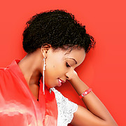 Sera Maina commercial model. Photoshoot of model Sera Maina demonstrating Face Modeling.Face Modeling Photo #189538