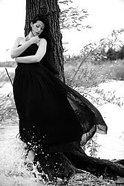 Sharin Mason Lavey model (modella). Photoshoot of model Sharin Mason Lavey demonstrating Commercial Modeling.Model: SharinVampirePh: Artofphotography SalvoCommercial Modeling Photo #92568