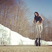 Sharin Mason Lavey model (modella). Photoshoot of model Sharin Mason Lavey demonstrating Face Modeling.Model: SharinVampirePh: PablogpFace Modeling Photo #92574