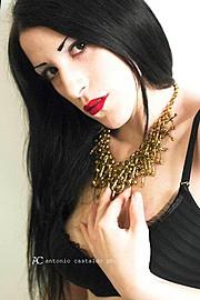 Sharin Mason Lavey model (modella). Photoshoot of model Sharin Mason Lavey demonstrating Face Modeling.Face Modeling Photo #92625