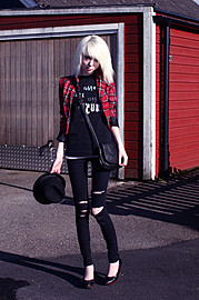 Shelley Mulshine model. Photoshoot of model Shelley Mulshine demonstrating Fashion Modeling.Fashion Modeling Photo #113027