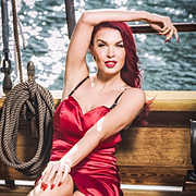 Sini Ariell model. Photoshoot of model Sini Ariell demonstrating Face Modeling.Face Modeling Photo #112457