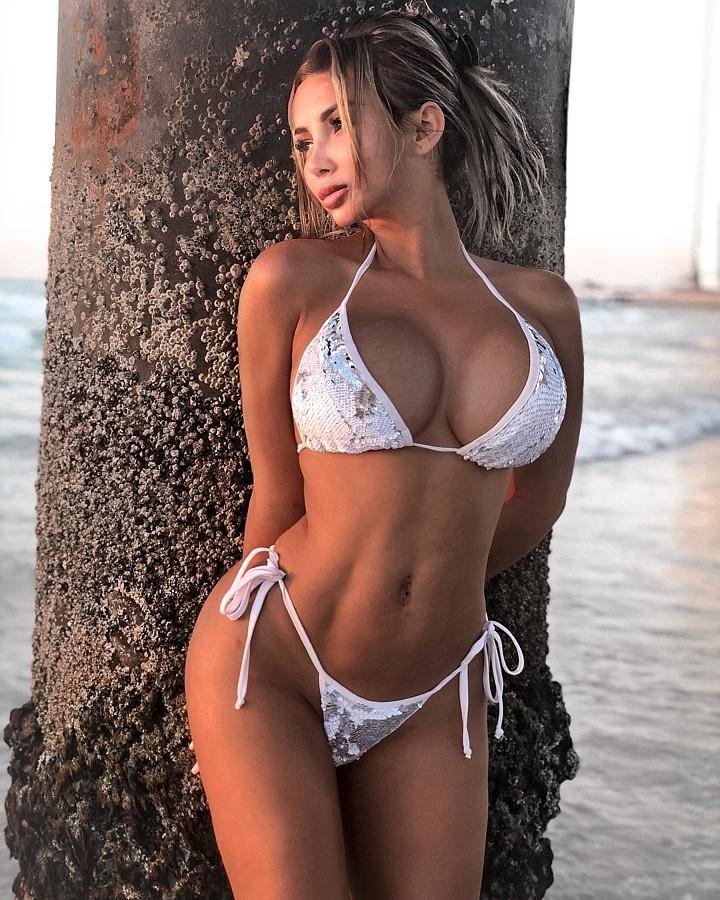 Sitorabanu Israilova model. Photoshoot of model Sitorabanu Israilova demonstrating Body Modeling.Body Modeling Photo #203578