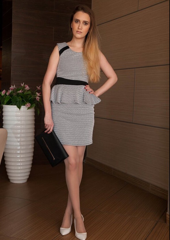 Sno Valeriia model. Photoshoot of model Sno Valeriia demonstrating Fashion Modeling.Fashion Modeling Photo #169903