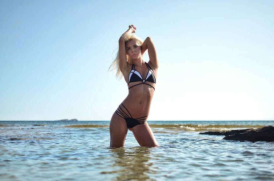 Sofia Bakirtzi model (μοντέλο). Photoshoot of model Sofia Bakirtzi demonstrating Body Modeling.SwimwearBody Modeling Photo #186885
