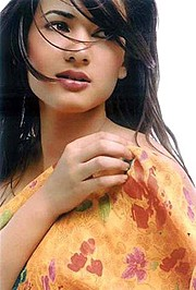 Sonal Chauhan model & actress. Photoshoot of model Sonal Chauhan demonstrating Face Modeling.Face Modeling Photo #122994
