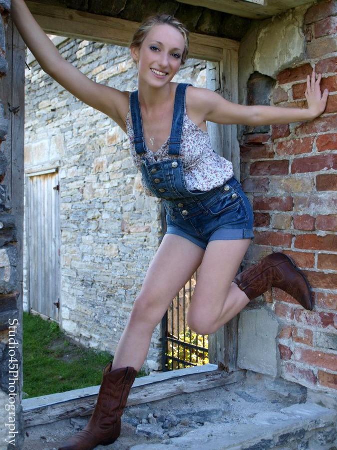 Sondra Jones model. Modeling work by model Sondra Jones. Photo #91364