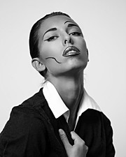 Sonia Costantini model (modella). Photoshoot of model Sonia Costantini demonstrating Face Modeling.Face Modeling Photo #186128