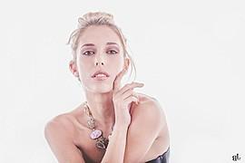 Sonia Costantini model (modella). Photoshoot of model Sonia Costantini demonstrating Face Modeling.Face Modeling Photo #186145