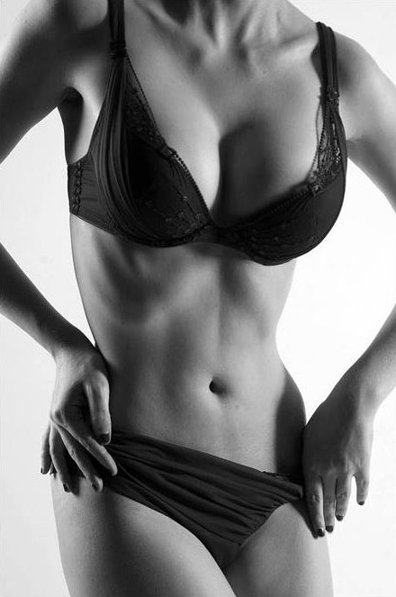 Sonia Gleis model (modèle). Photoshoot of model Sonia Gleis demonstrating Body Modeling.Body Modeling Photo #160167