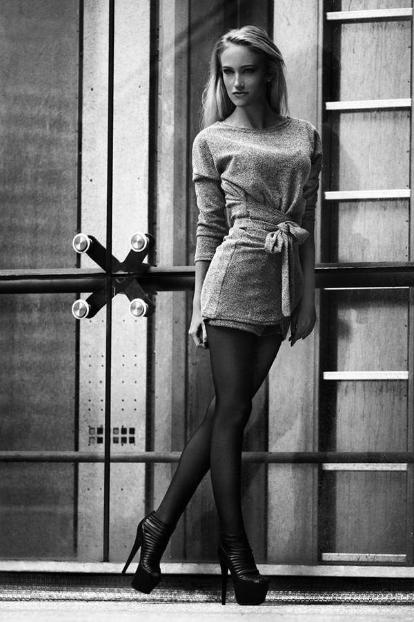 Sonia Gleis model (modèle). Photoshoot of model Sonia Gleis demonstrating Fashion Modeling.Fashion Modeling Photo #160192