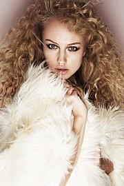 Sophie Doull model. Photoshoot of model Sophie Doull demonstrating Face Modeling.Face Modeling Photo #187151