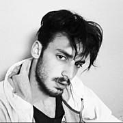 Spiros Giannakakis model (μοντέλο). Photoshoot of model Spiros Giannakakis demonstrating Face Modeling.Face Modeling Photo #176295