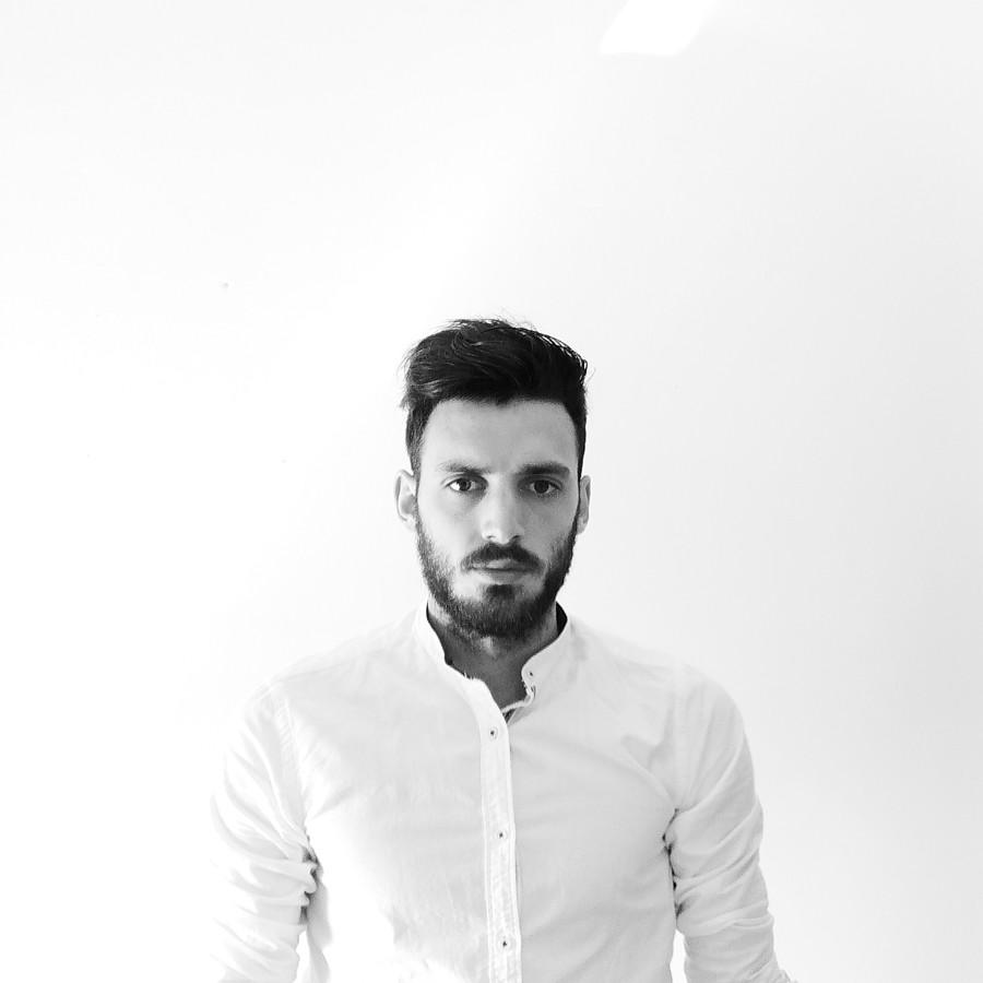 Spiros Giannakakis Μοντέλο