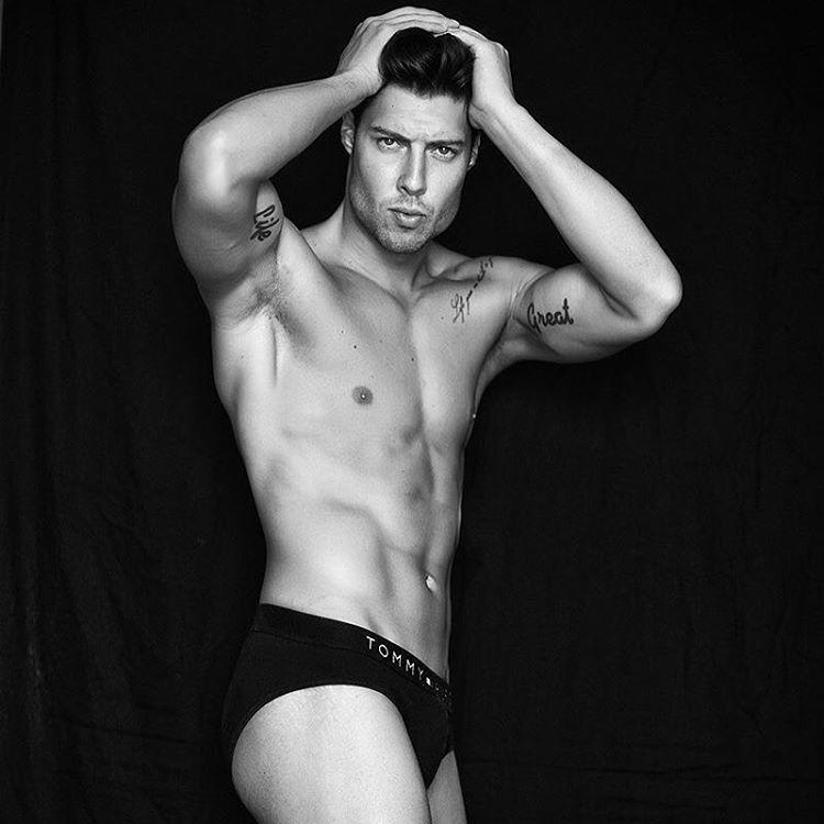 Spyros Papakonstantinou model (μοντέλο). Photoshoot of model Spyros Papakonstantinou demonstrating Body Modeling.Body Modeling Photo #178796