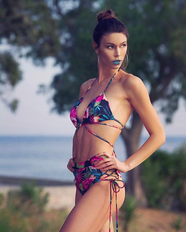 Stamatia Zdrali model & photographer (modella & fotografa). Photoshoot of model Stamatia Zdrali demonstrating Body Modeling.designer: Despy K Fashion boutiqueBody Modeling Photo #196415