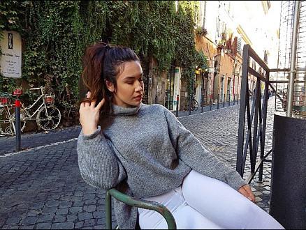 Stella Laerta Mpoyzo Μοντέλο