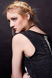 Suki Sachs model. Photoshoot of model Suki Sachs demonstrating Face Modeling.Face Modeling Photo #105117