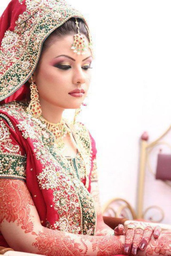 Supreet Tuteja Henna & Bridal Makeup