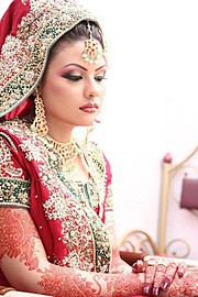 Melbourne Henna offers you the unique new generation mehendi art in our mehndi design service, combining elegance and sophistication, adding