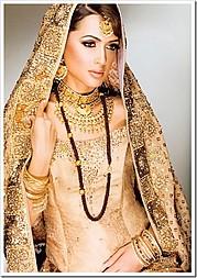 Supreet Tuteja henna & bridal makeup. makeup by makeup artist Supreet Tuteja. Photo #95000