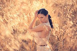 Susanna Andersen model. Susanna Andersen demonstrating Face Modeling, in a photoshoot by Geoff Jones.Photographer: Geoff JonesFace Modeling Photo #98460