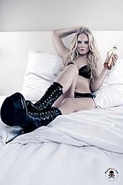Susanna Medeiros model. Photoshoot of model Susanna Medeiros demonstrating Commercial Modeling.Commercial Modeling Photo #97156