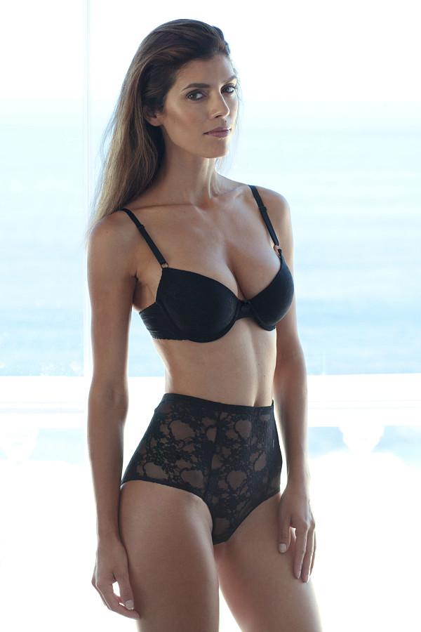 Suzana Nikolova model (модел). Photoshoot of model Suzana Nikolova demonstrating Body Modeling.Body Modeling Photo #209707