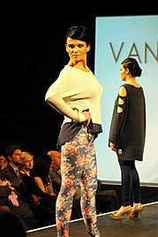 Suzanne Chamberlain model. Photoshoot of model Suzanne Chamberlain demonstrating Runway Modeling.Runway Modeling Photo #71859