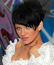 Suzanne Chamberlain model. Photoshoot of model Suzanne Chamberlain demonstrating Face Modeling.Face Modeling Photo #71864