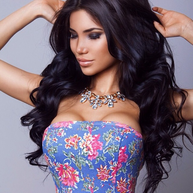 Svetlana Bilyalova model (Светлана Билялова модель). Photoshoot of model Svetlana Bilyalova demonstrating Face Modeling.NecklaceFace Modeling Photo #165630