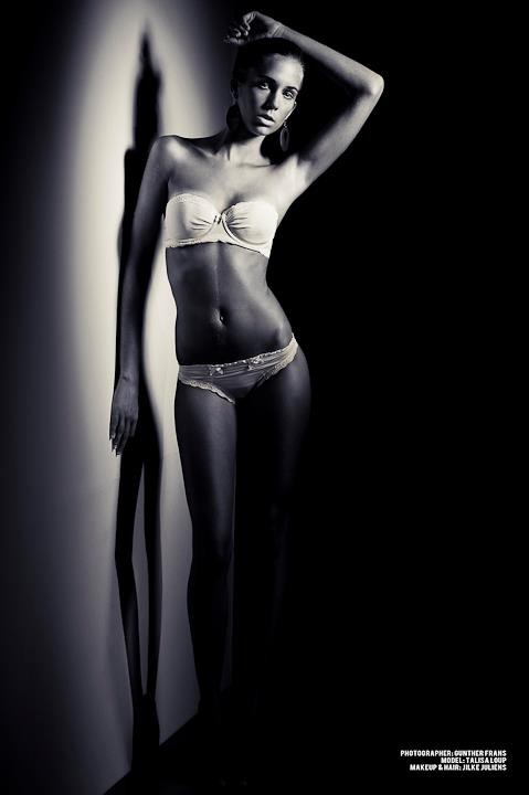 Talisa Loup model. Talisa Loup demonstrating Body Modeling, in a photoshoot by Gunther Frans.photographer Gunther FransBody Modeling Photo #116846