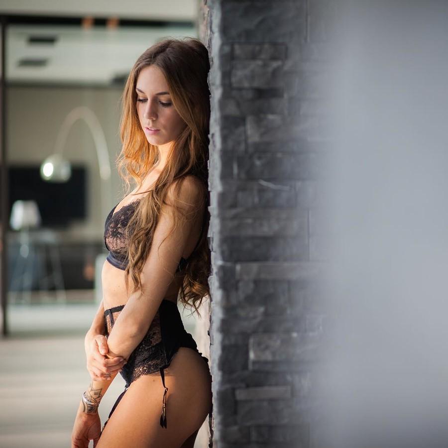 Talisa Loup model. Photoshoot of model Talisa Loup demonstrating Body Modeling.Body Modeling Photo #170562