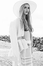 Tamzen Holland fashion stylist. styling by fashion stylist Tamzen Holland.Fashion Styling Photo #94966