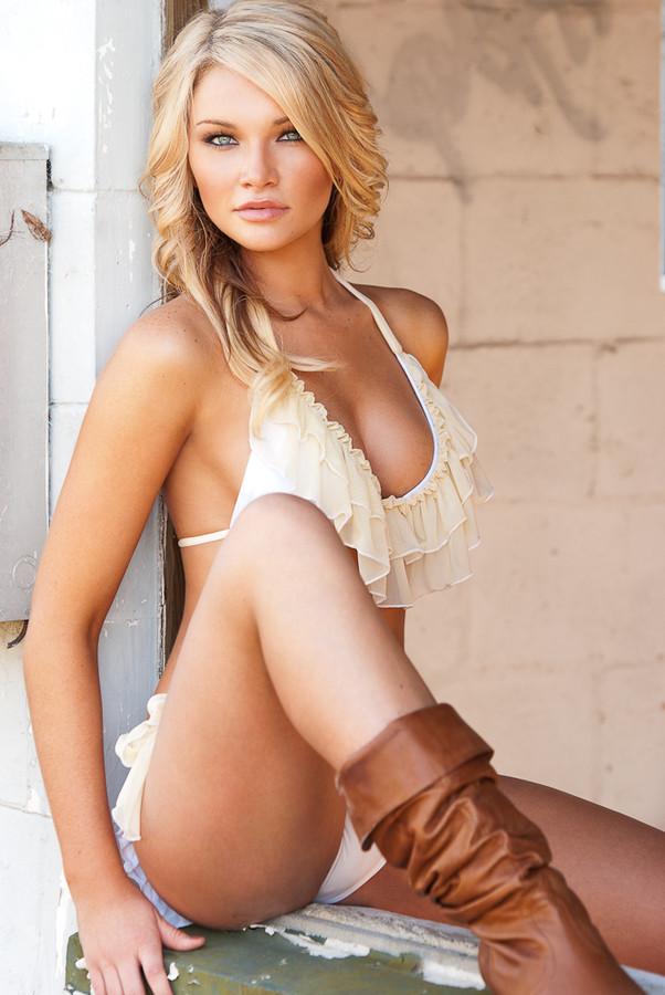 Tara Booher Model