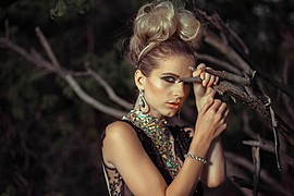 Tara Grace Elizabeth model. Photoshoot of model Tara Grace Elizabeth demonstrating Face Modeling.Face Modeling Photo #117851
