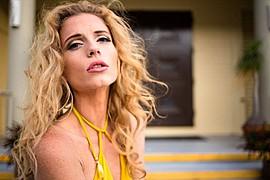 Tara Grace Elizabeth model. Photoshoot of model Tara Grace Elizabeth demonstrating Face Modeling.Face Modeling Photo #117862