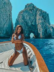 Tatiana Bernardi model (modella). Photoshoot of model Tatiana Bernardi demonstrating Body Modeling.Body Modeling Photo #228392