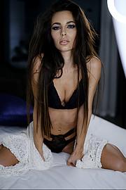 Tatiana Bernardi model (modella). Photoshoot of model Tatiana Bernardi demonstrating Body Modeling.Body Modeling Photo #231762