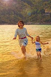 Татьяна Грейт - профессиональный фотограф в Таиланде (Тайланде). Специализируется на семейных и свадебных фотографиях. Татьяна предлагает ве