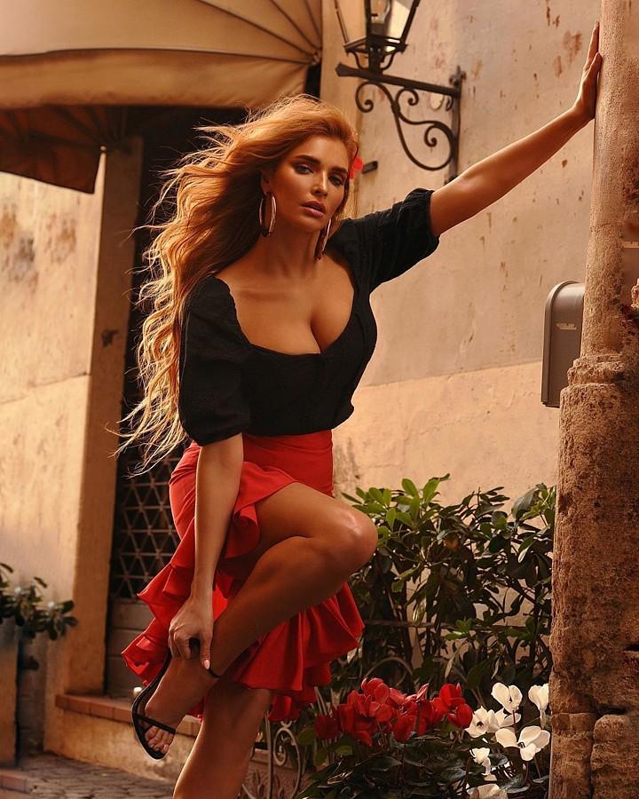 Tatiana Kotova (Татьяна Котова) model & singer. Photoshoot of model Tatiana Kotova demonstrating Fashion Modeling.Fashion Modeling Photo #218446